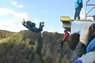 VIDEO. Ce pateste un barbat care sare de la 270 metri inaltime, fara sa i se deschida parasuta