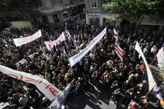 Proteste cum Grecia n-a mai vazut de la inceputul crizei: 125.000 de oameni au iesit in strada