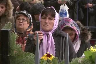 Hoti si ologi inchipuiti printre credinciosii de la Patriarhie. Cum profita ei de sfanta sarbatoare