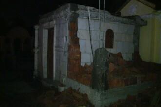 Razboi deschis cavourilor care sfideaza regulile: capela fara autorizatie, demolata la miezul noptii
