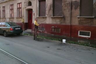 Razbunare murdara: ulei ars pe geamurile si fatada unei locuinte din Timisoara
