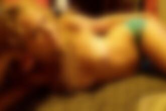 Poza semi-nud cu Tailor Swift, postata pe internet. Cantareata blonda sustine ca nu e ea