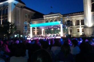 Inceput de an universitar artificii si concert Iris pentru studentii la medicina din Iasi