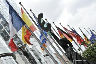 Presedintele Consiliului European avertizeaza ca David Cameron ar putea pune UE in pericol