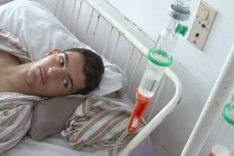 Un fotbalist a suferit o ruptura de rinichi in timpul unui meci. Medicii l-au lasat sa plece acasa