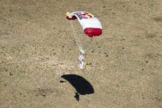 Felix Baumgartner i-a dat aripi.Cat valoreaza Red Bull, dupa ce a sponsorizat saltul din stratosfera
