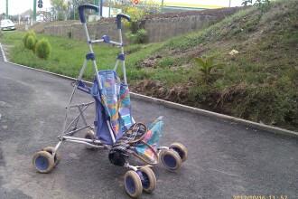 Un aradean a sarit cu masina de pe pod si a lovit pe trotuar o femeie cu un copil in carucior
