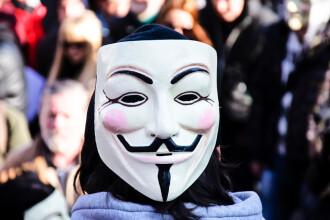 TERORISM CIBERNETIC. Trei membri ai gruparii Anonymous au fost trimisi in judecata de DIICOT