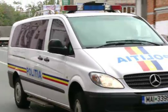 Un agent sef de la Brigada Rutiera a Capitalei, retinut dupa a fost prins luand mita 8.000 de euro