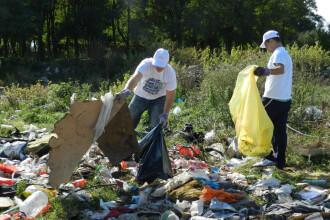 """Peste 7000 de saci de gunoi,adunati din judetul Timis,in doar o zi.Raportul campaniei """"Let's Do It"""""""