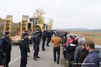 Protestele in cazul gazelor de sist si-au atins scopul. Chevron a suspendat activitatea in zona