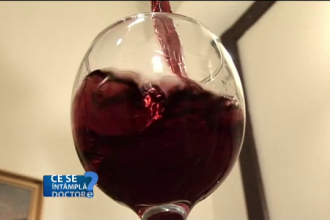 Câte pahare de vin trebuie să bem ca să ajutăm ficatul. Nimeni nu ştie cum funcţionează