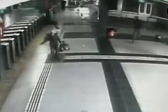 Momentul in care un tren s-a izbit in gara din Argentina de tampoanele de franare