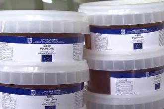 Mierea de albine a ajuns in stocul de alimente de la Uniunea Europeana. Beneficiarii sunt asteptati la depozit sa o ridice