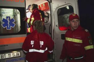 Cinci politisti de frontiera au fost raniti in Botosani. Microbuzul in care se aflau a fost izbit de o camioneta