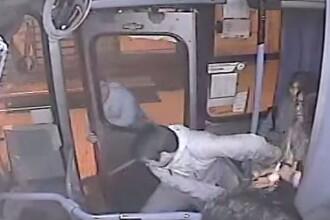 Situatia amuzanta in Chile. Ce s-a intamplat cu un hot care a incercat sa fure o geanta din autobuz. VIDEO