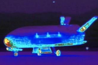 O drona spatiala americana a aterizat dupa o misiune misterioasa in jurul Pamantului. Experti: Noua era pentru spionaj