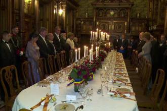 Receptie la Palatul Peles. Regele Mihai implineste sambata 93 de ani si a sarbatorit evenimentul alaturi de invitati distinsi