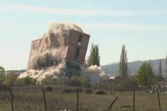 O hala a fostei fabrici de caramizi din Alba Iulia a fost facuta una cu pamantul