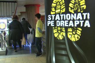 Lectia predata in statiile de metrou. Calatorii, invatati de cativa elevi cum sa foloseasca scarile rulante in mod civilizat