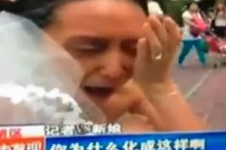 S-a machiat ca sa arate ca o femeie de 70 de ani, pentru a-si testa iubitul. Reactia acestuia a lasat-o in lacrimi. VIDEO