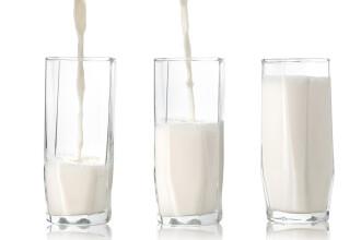 Rezultatele alarmante ale unui studiu. Riscurile la care se supun cei care consuma 3 pahare de lapte pe zi