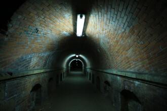 Un sofer a vrut sa faca o poza la un tunel. S-a speriat, insa, cand a vazut ce a surprins in imagine