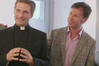 Scandal sexual la Vatican. Un preot cu functie inalta a dezvaluit ca este homosexual si l-a prezentat public pe iubitul sau