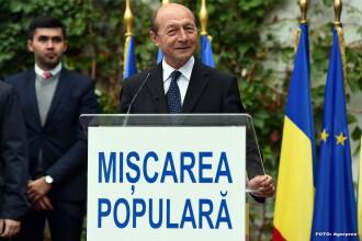 Cate persoane l-au sunat pe Traian Basescu si ce i-au reprosat, dupa ce si-a facut public numarul de telefon mobil