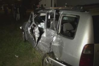 Masina unui politist din Maramures, lovita in plin de un TIR. Agentul si sotia sa, in stare grava la spital