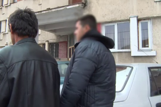 Elevul din Targu Jiu care si-a injunghiat iubita a fost retinut. Ce detalii cutremuratoare au povestit martorii