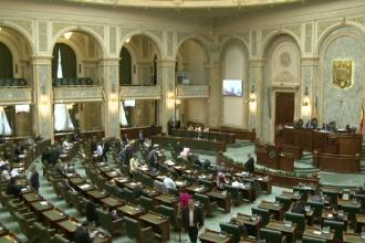 Proiectul prin care mai multi tineri cer penalizarea parlamentarilor lenesi. Au nevoie de 100.000 de semnaturi ale romanilor