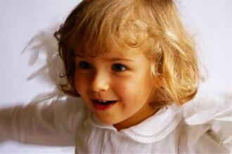 7 moduri prin care iti poti amuza copilul cand astepti la medic sau la restaurant fara a folosi telefonul mobil