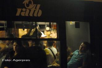 Doi pasageri au fost raniti intr-un autobuz din Bucuresti. Ce manevra a facut soferul in trafic
