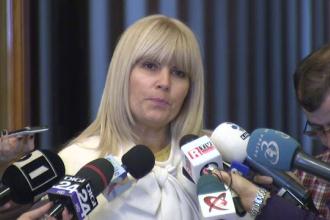 Elena Udrea a stat 7 ore in Parlament pentru a-si citi noul dosar de coruptie. Cine a denuntat-o pe fosta sefa a Turismului