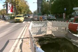 3.000 de lucrari fac din Bucuresti un oras ca dupa razboi. Atitudinea privind semnalizarea gropilor: