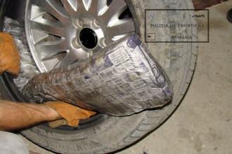 Ce au descoperit politistii in pneurile unui autoturism. Soferul masinii a primit o amenda uriasa