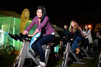 Neon Spinning la Constanta: cea mai cool ora de sport la lumina Lunii si a neoanelor