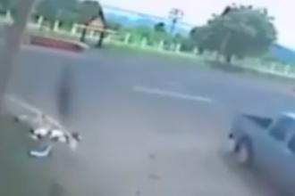 A avut un accident groaznic de motocicleta, iar martorii au ramas socati cand s-au uitat pe imagini. VIDEO