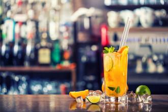 Un barbat din Neamt a baut un cocktail oferit de o femeie straina, iar dupa 2 zile a ajuns in coma. Ce au descoperit medicii