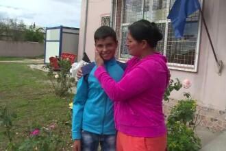 La 13 ani sufera de leucemie, iar parintii lui n-au bani nici macar de analize. Ajutorul de care are nevoie Gabriel