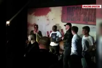 Mike Tyson, la o petrecere intr-un club din Bucuresti.