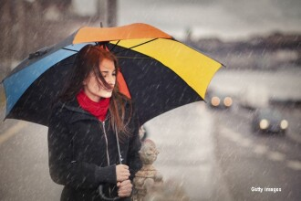 Zi racoroasa, cu maxime intre 10 si 18 grade, sub valorile perioadei. Va ploua in sud, iar la munte ninsorile isi fac de cap