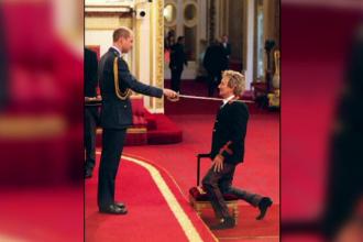 Rod Stewart a devenit Sir Roderick Stewart. Rockerul britanic, innobilat pentru contributia si muzica si actele de caritate