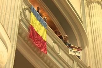 Votul pentru legea conversiei creditelor in franci a fost amanat. PSD si PNL se acuza reciproc pentru tergiversare