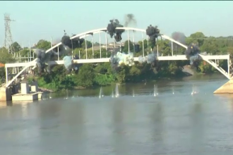 Podul care dupa doua explozii a ramas neclintit. Cum au reusit inginerii sa il darame in final