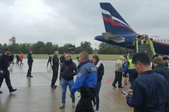 Avion evacuat la Geneva dupa o amenintare falsa cu bomba. Un cetatean rus a fost arestat. VIDEO