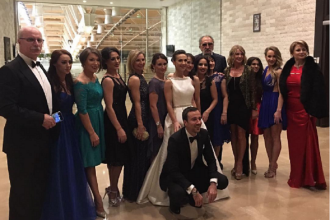 Fosta gimnasta Andreea Raducan s-a casatorit religios. Nadia Comaneci si Ion Tiriac, printre invitatii importanti de la nunta
