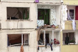 Explozia din Bistrita a afectat grav structura blocului. Vecinii dau vina pe un tanar care ameninta des ca da foc la casa