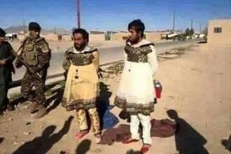 Imaginea lasitatii. Luptatorii ISIS, prinsi in timp ce incercau sa fuga din Mosul deghizati in haine de dama
